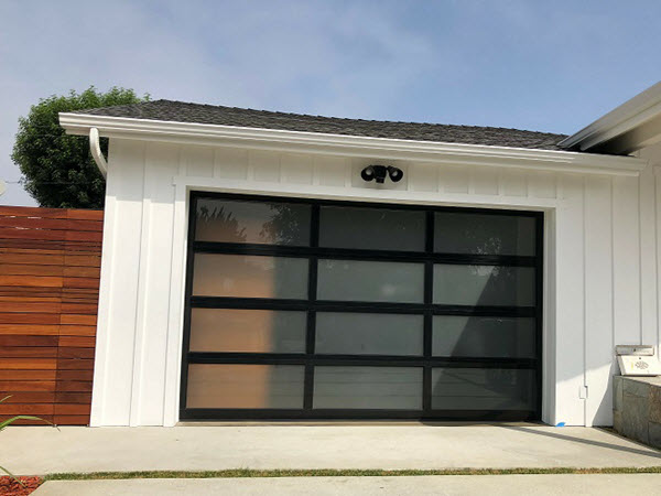 garage door exterior view