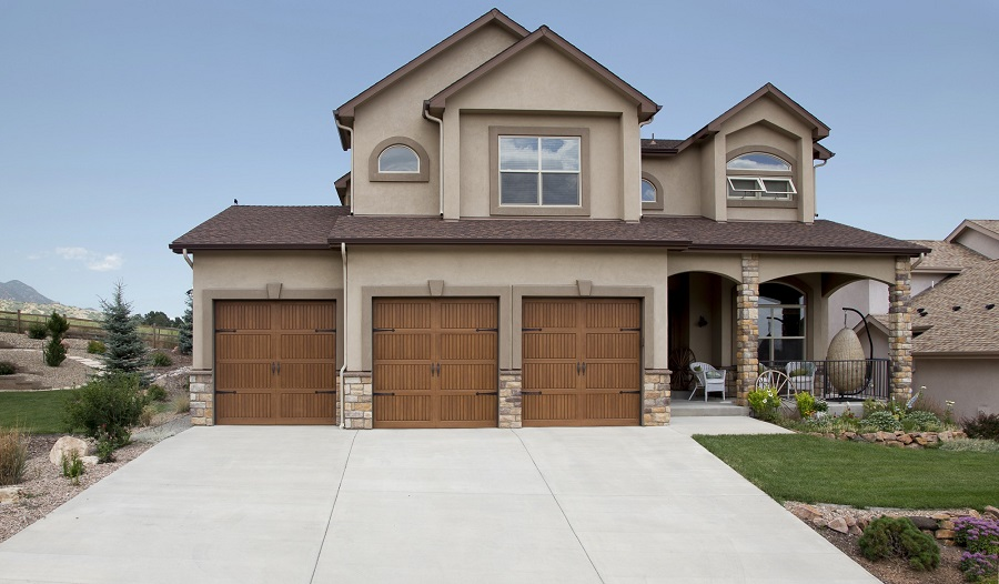 cost vs value replacing garage door