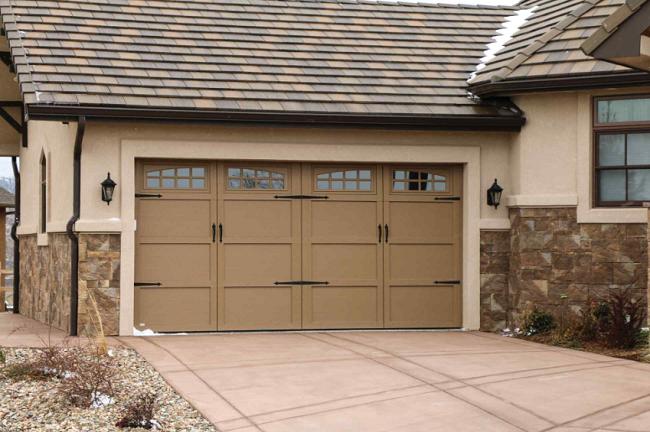 garage door lights6 Ways to Accent Your Garage Doors