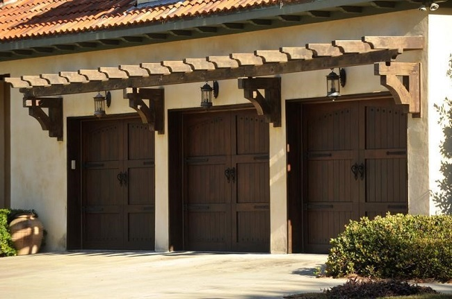 Overhead Door Blog 6 Ways To Accent Your Garage Doors