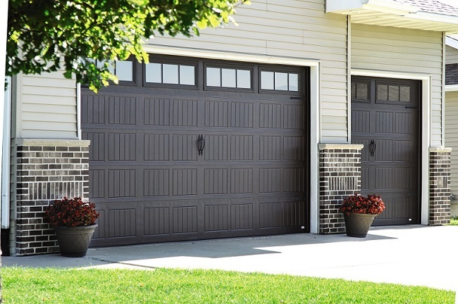 garage doors adding curb appeal